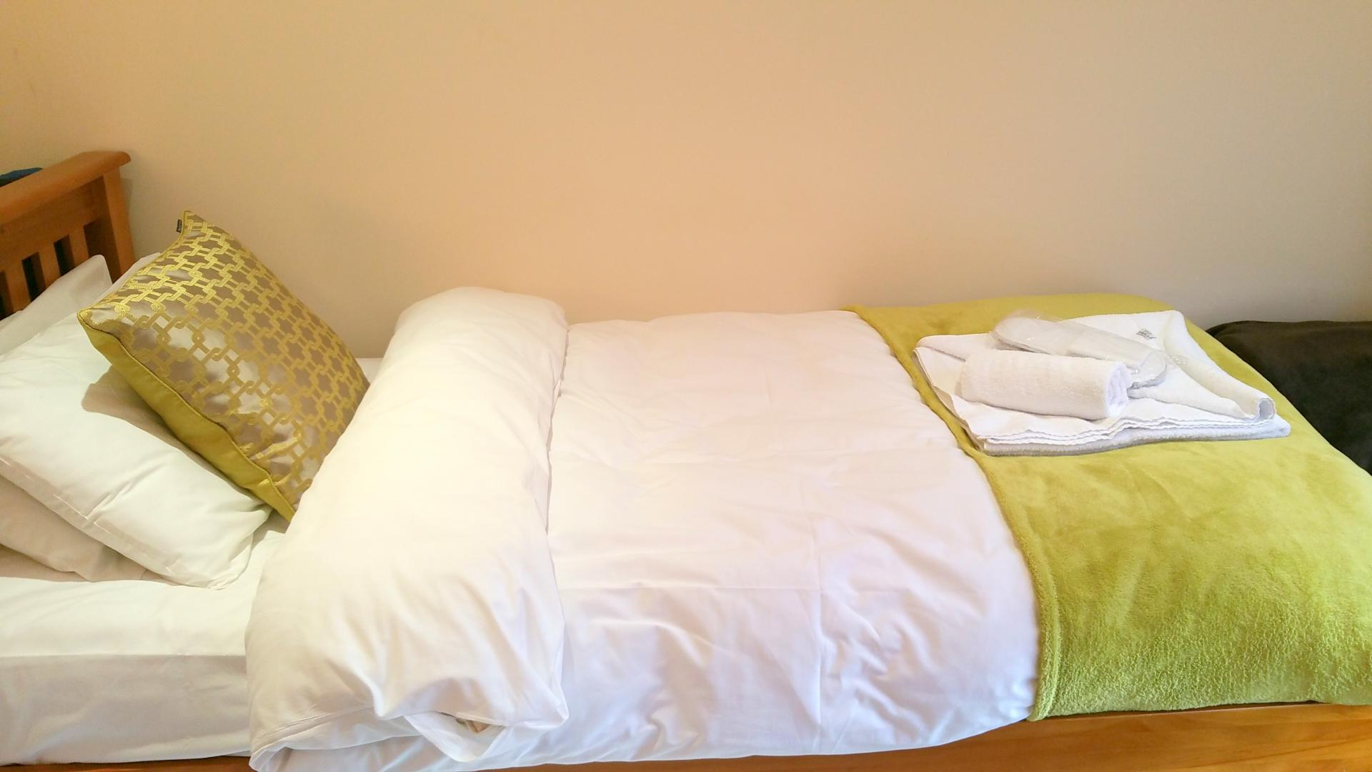 Light bedoom at Central Station Apartment, Mill Road, Cambridge - Citybase Apartments
