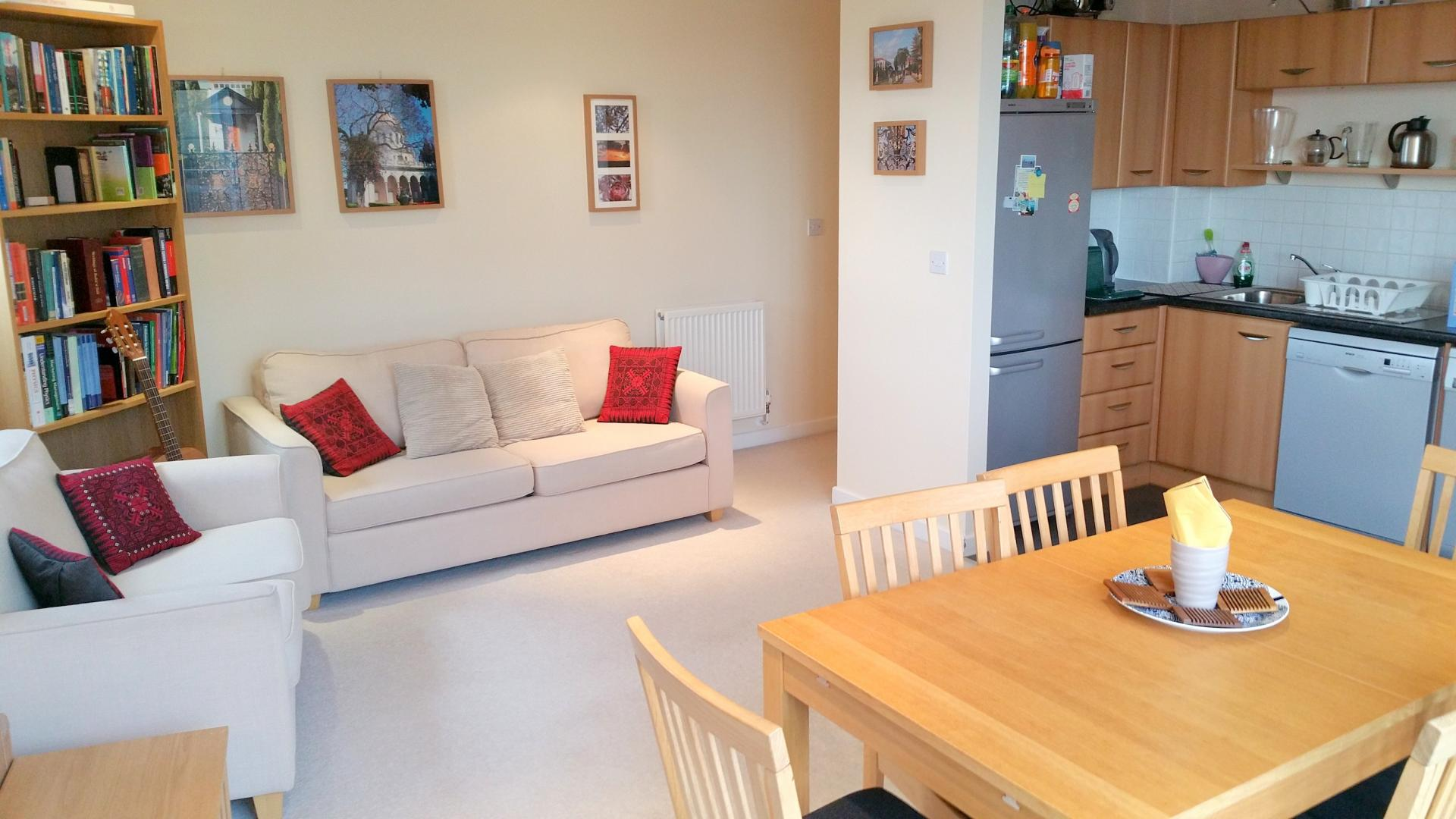 Living area at Central Station Apartment, Mill Road, Cambridge - Citybase Apartments
