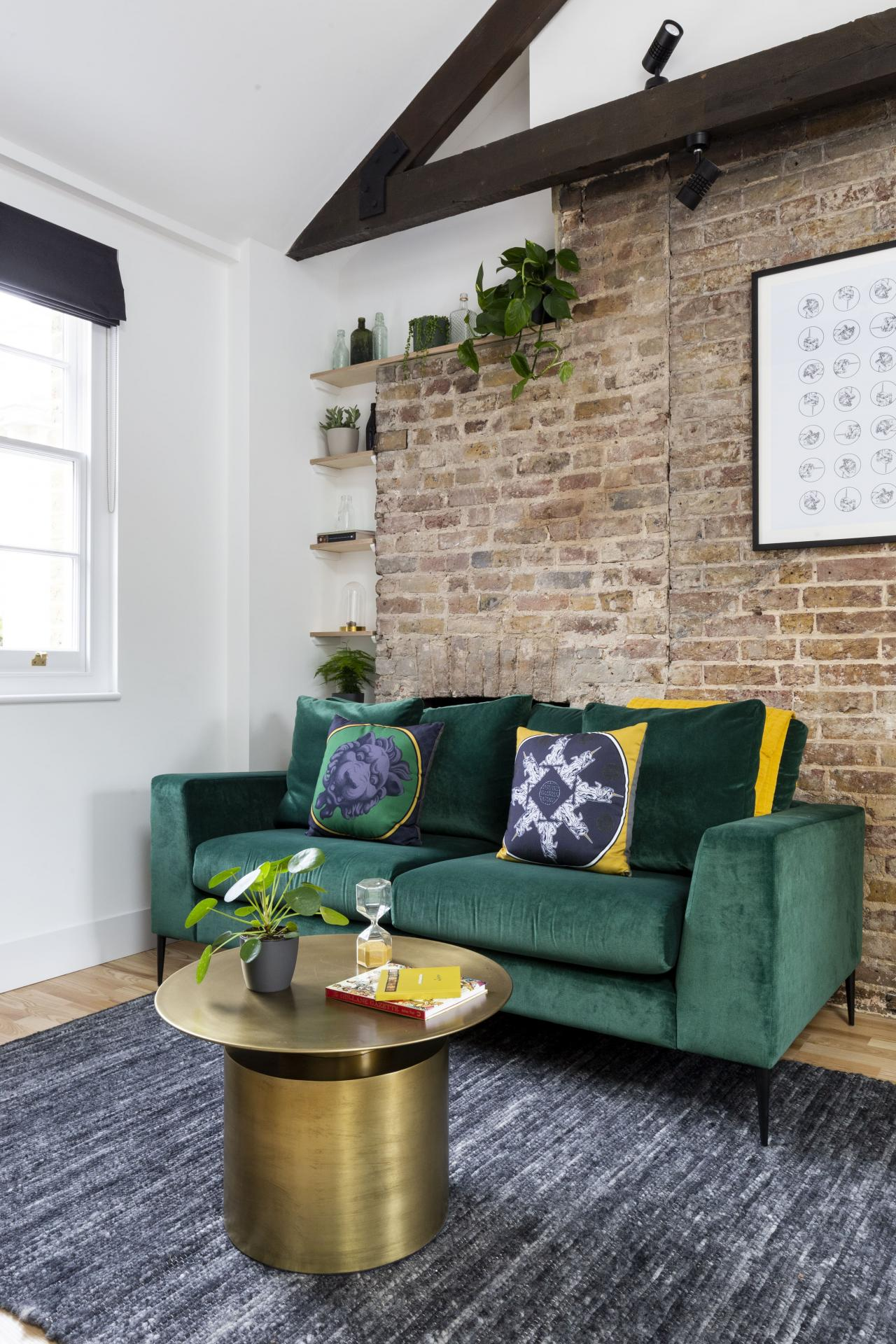 Living area at Bloomsbury Holborn Apartments, Holborn, London - Citybase Apartments