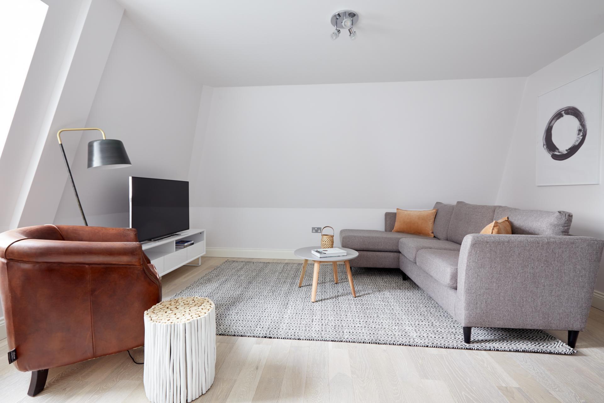 Living area at Virginia House Apartments, Fitzrovia, London - Citybase Apartments