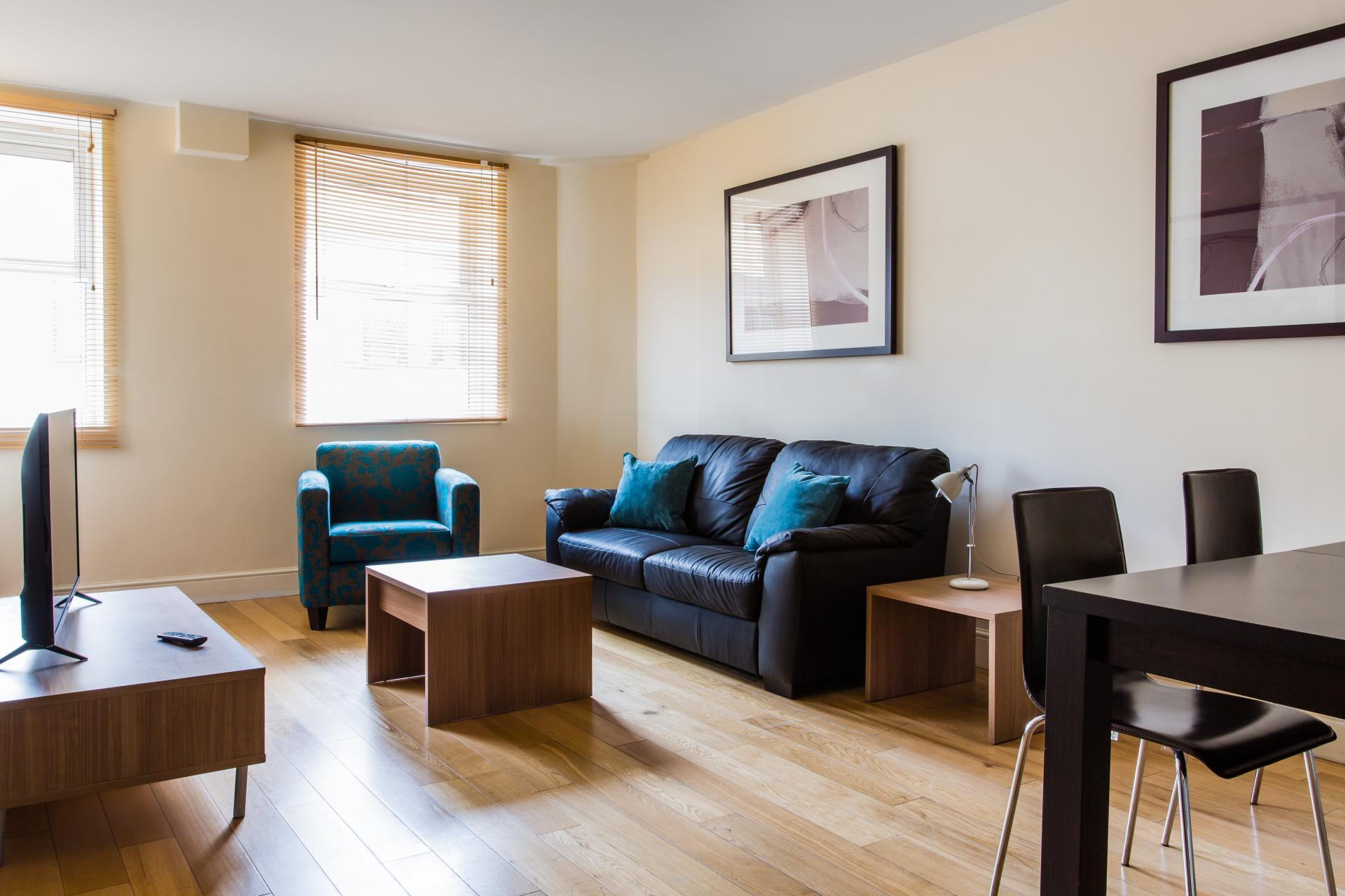 Living area at Reading Central Apartments, Centre, Reading - Citybase Apartments
