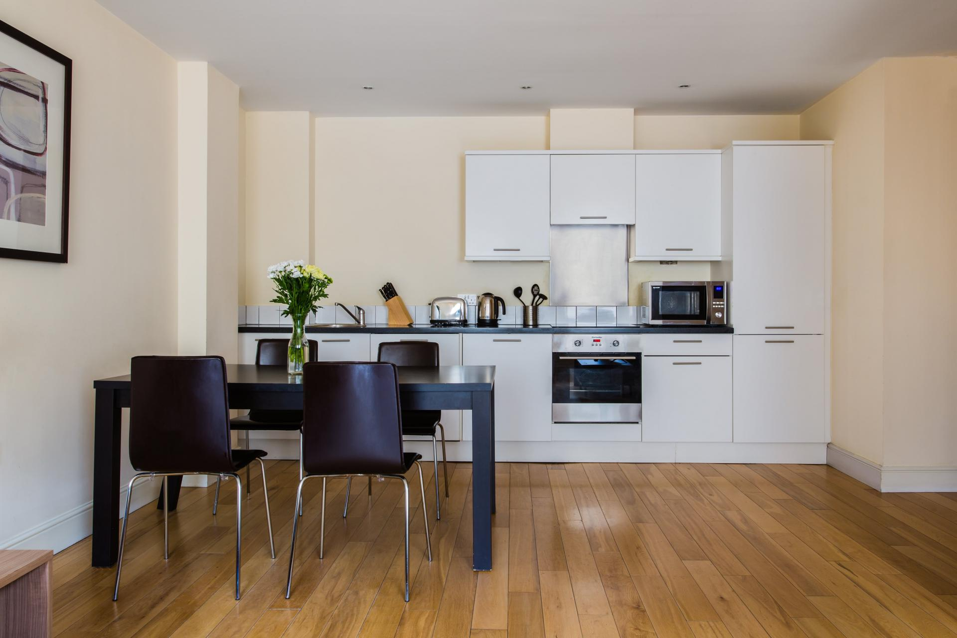 Kitchen at Reading Central Apartments, Centre, Reading - Citybase Apartments