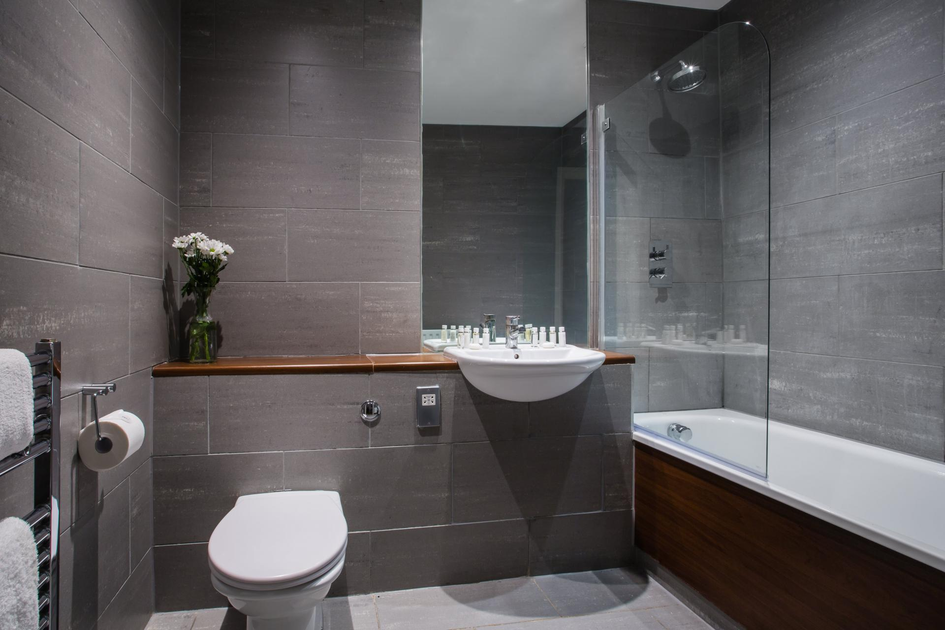 Bathroom at Reading Central Apartments, Centre, Reading - Citybase Apartments