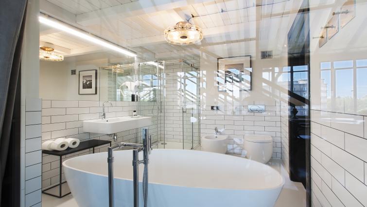 Bathroom at Antique Apartments - Citybase Apartments