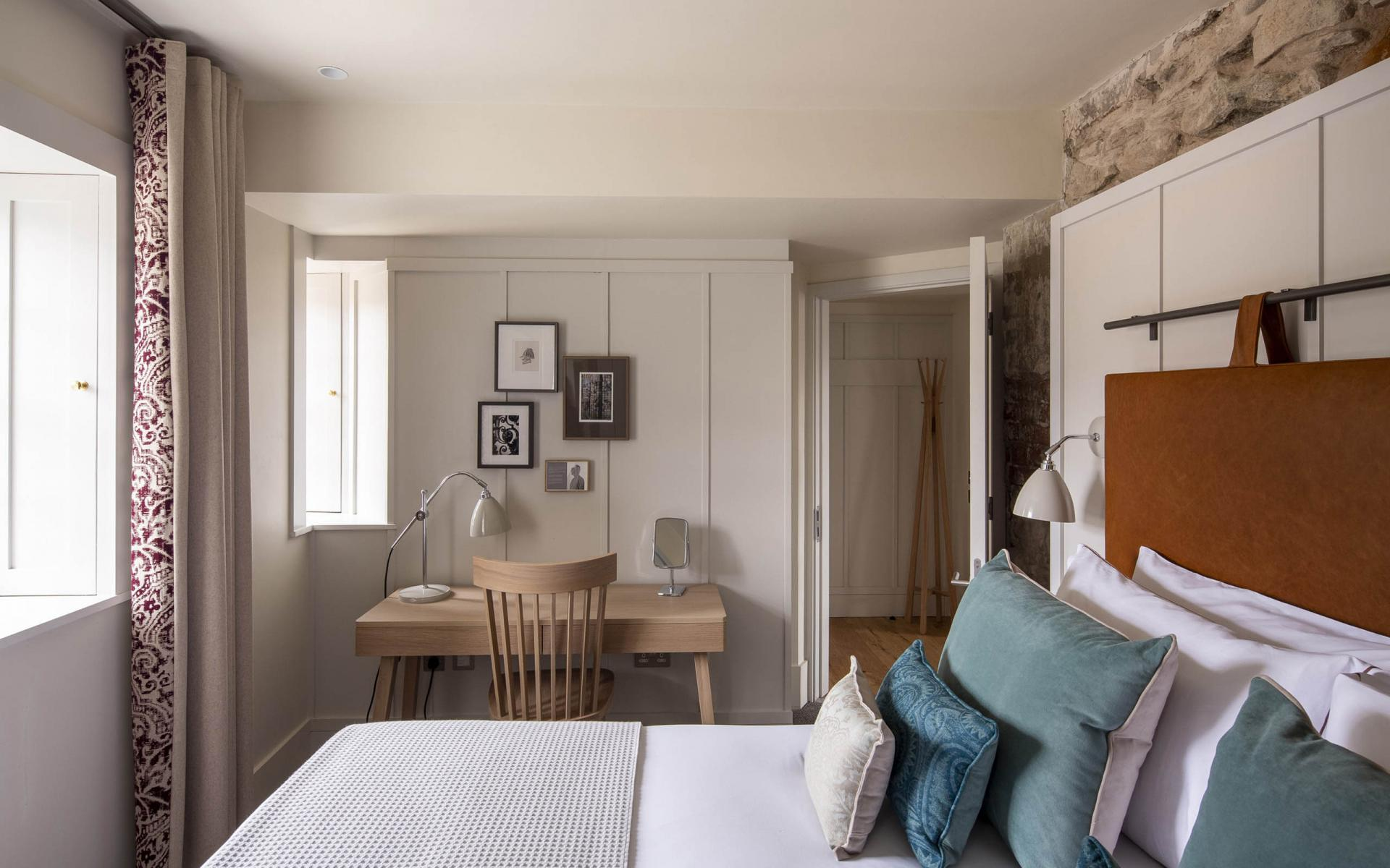 Sleeping area at Cheval Abbey Strand, Old Town, Edinburgh - Citybase Apartments