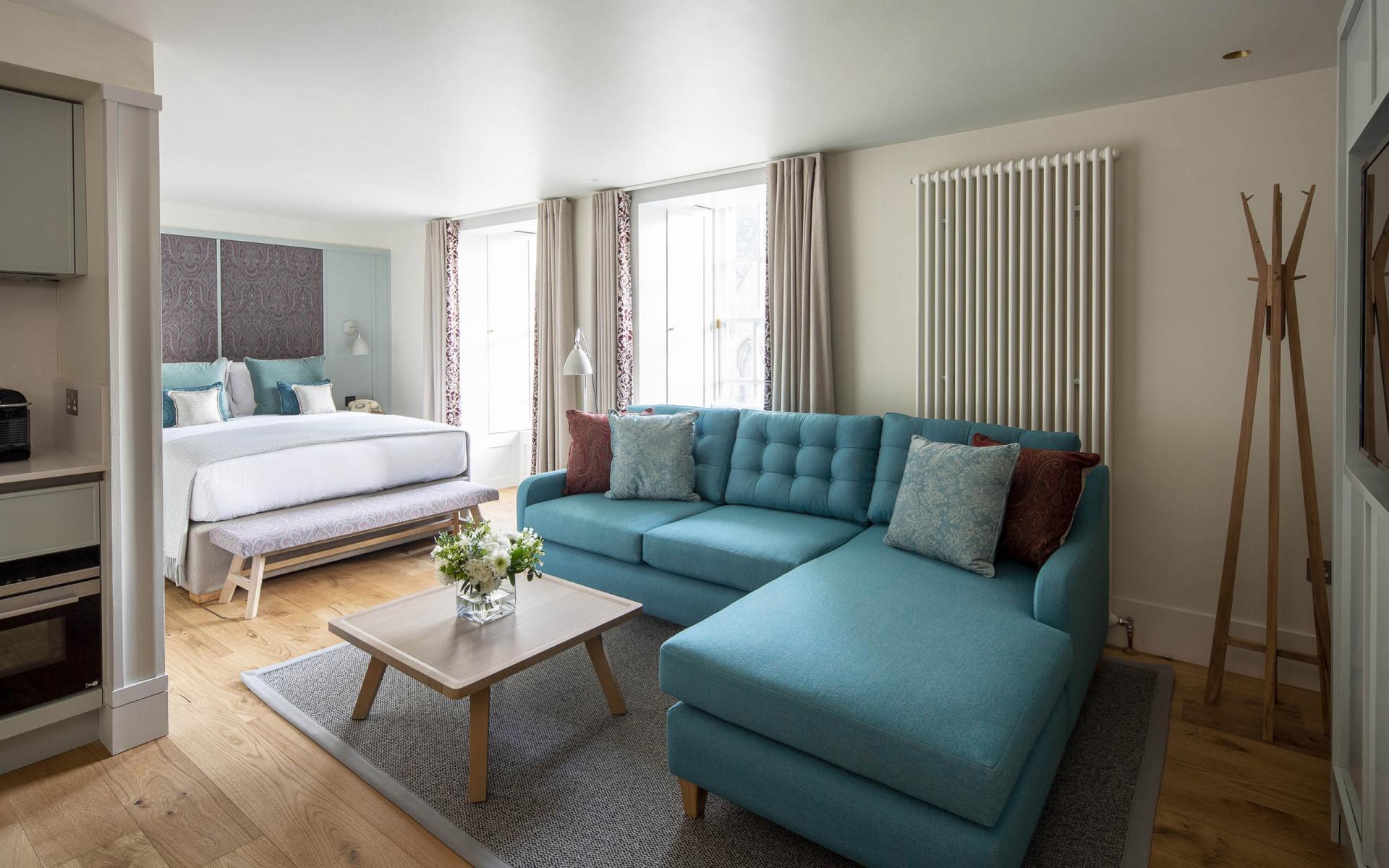 Sofa at Cheval Abbey Strand, Old Town, Edinburgh - Citybase Apartments