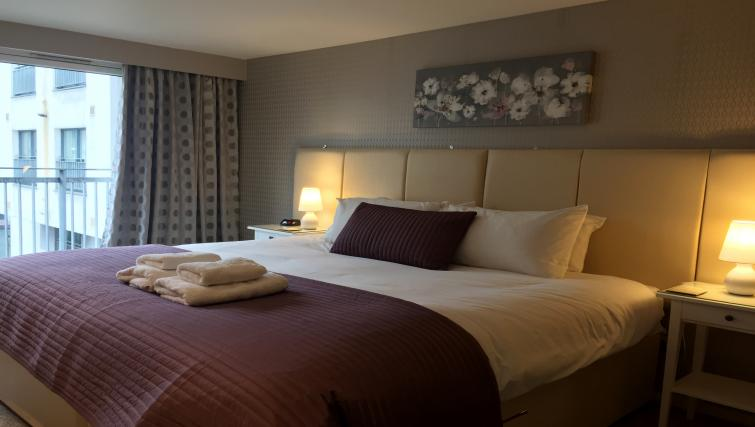 Double bedroom at Tolbooth Apartments - Citybase Apartments