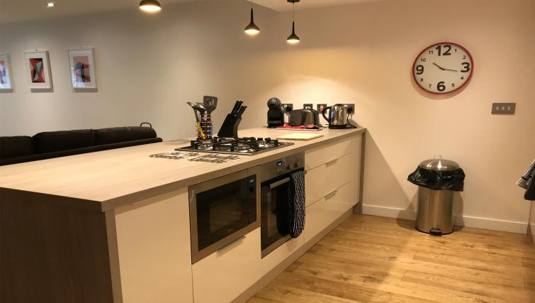 Kitchen island at Tolbooth Apartments - Citybase Apartments