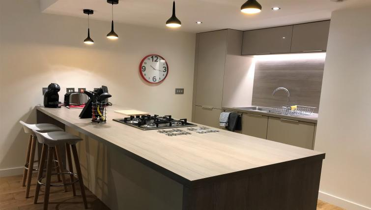 Kitchen facilities ta Tolbooth Apartments - Citybase Apartments