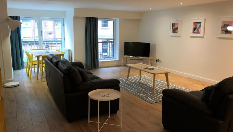 TV at Tolbooth Apartments - Citybase Apartments