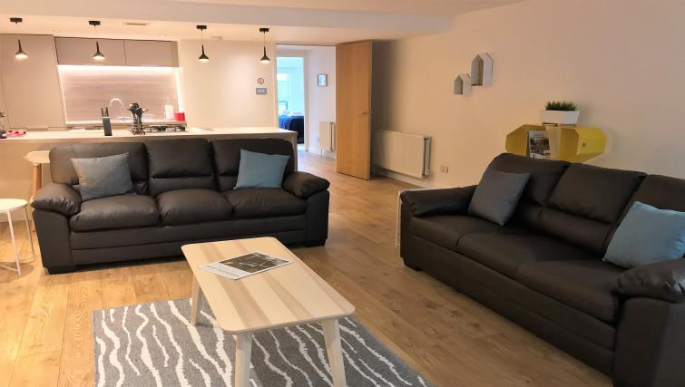 Spacious living area at Tolbooth Apartments - Citybase Apartments