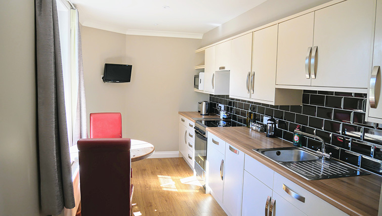 Kitchen facilities at Peartree Serviced Apartments - Citybase Apartments
