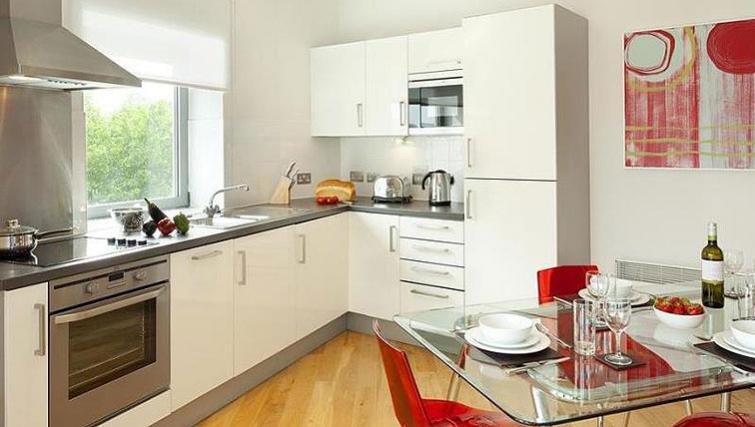 Sophisticated kitchen in SACO Bristol - Broad Quay - Citybase Apartments