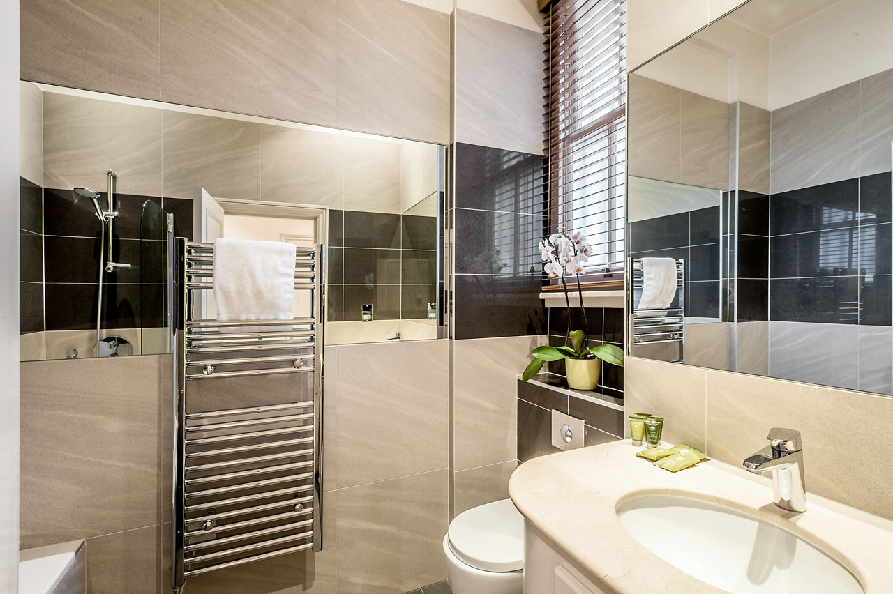 Bathroom at Chelsea - Draycott Place Apartments, Chelsea, London - Citybase Apartments