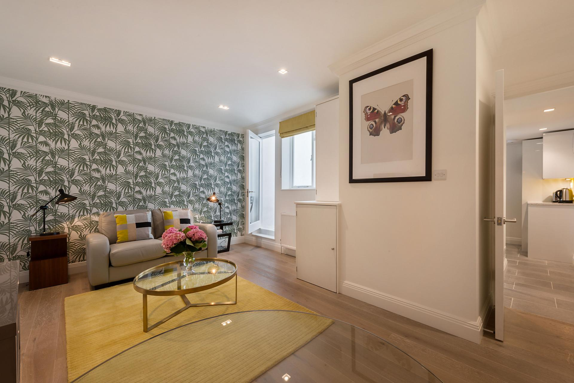 Living area at Marylebone - Wyndham Street Apartments - Citybase Apartments