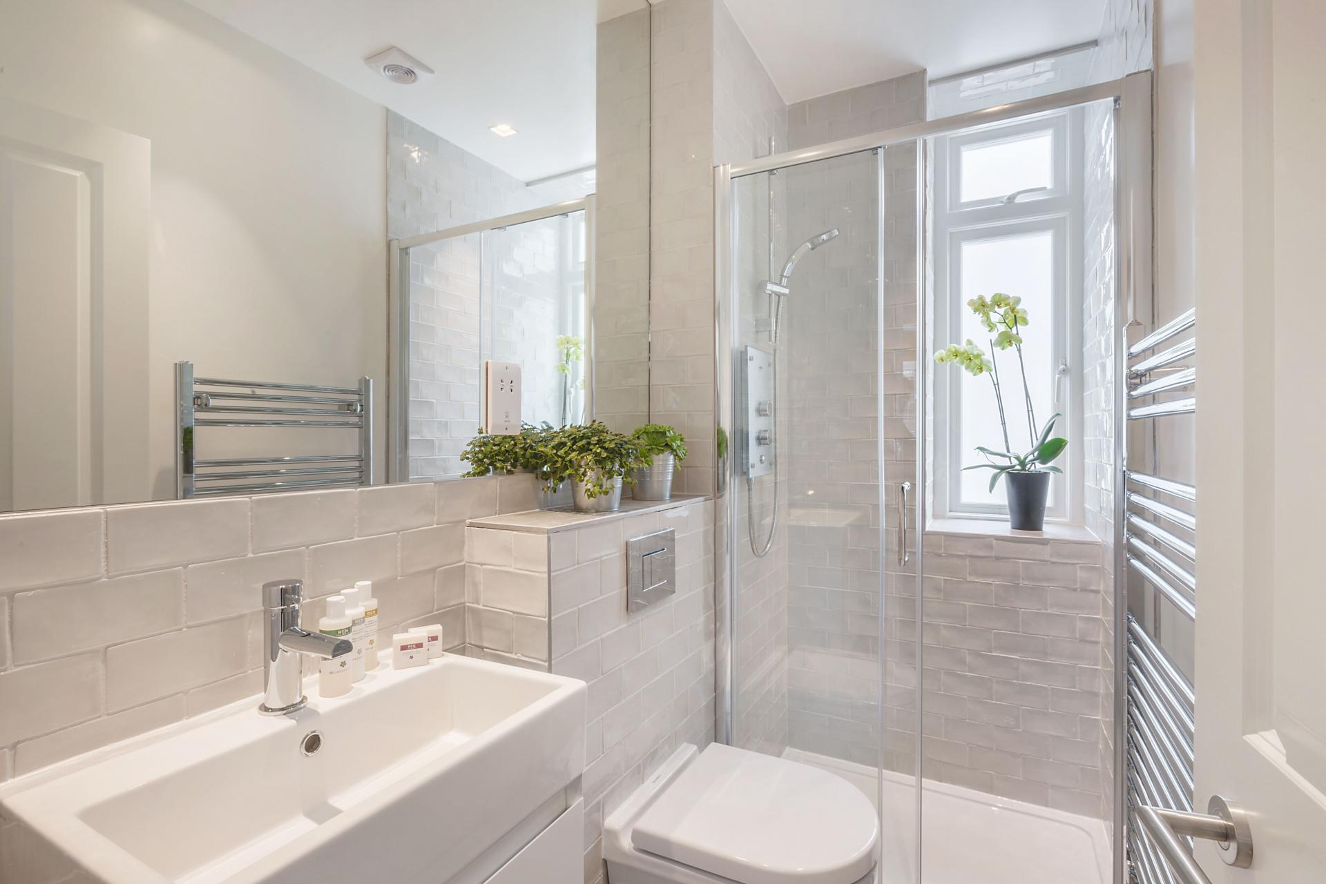 Bathroom at Marylebone - Wyndham Street Apartments - Citybase Apartments