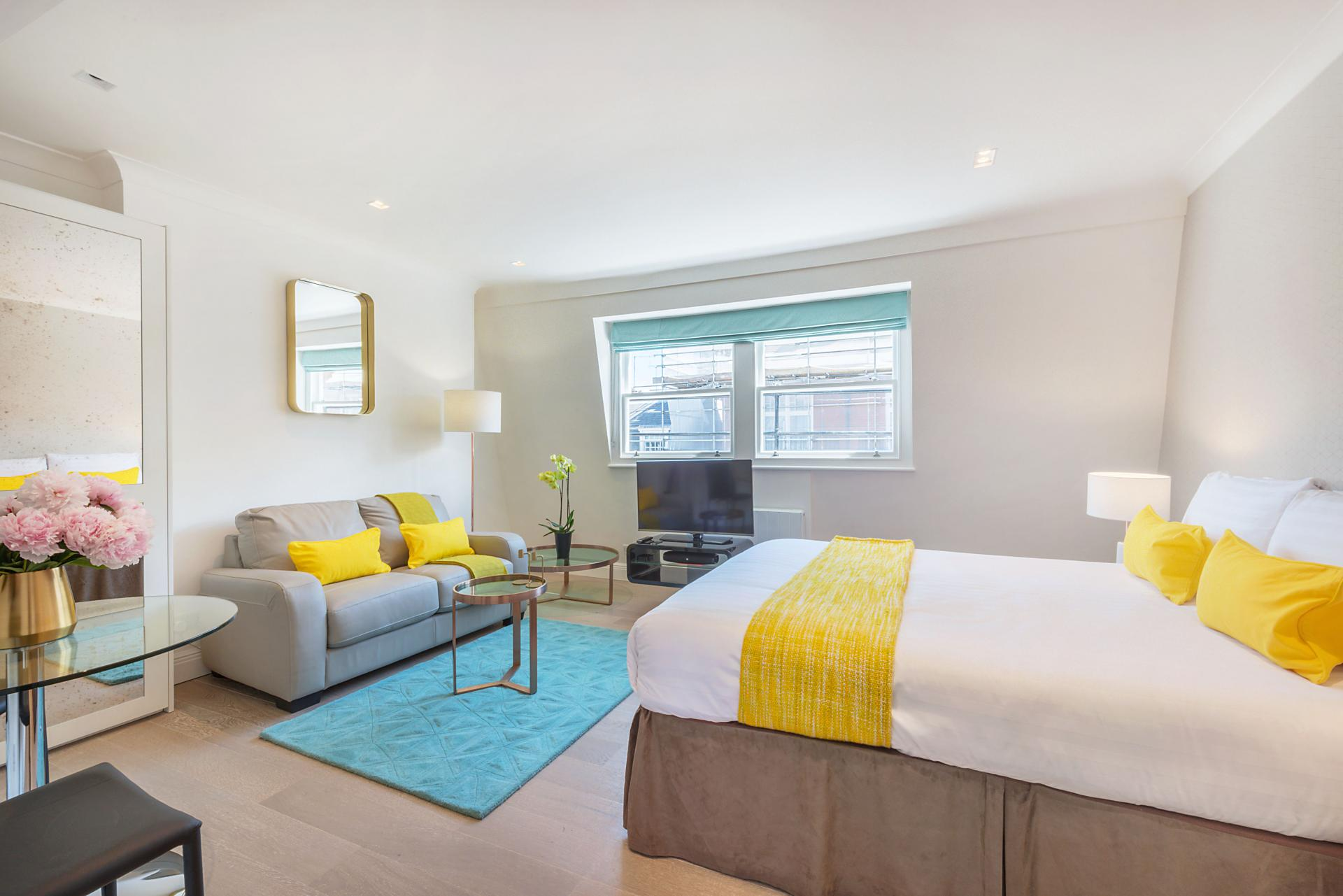 Double bed at Marylebone - Wyndham Street Apartments - Citybase Apartments