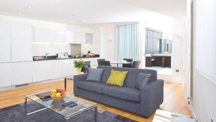 Stunning living area at Oakwood Farringdon - Citybase Apartments