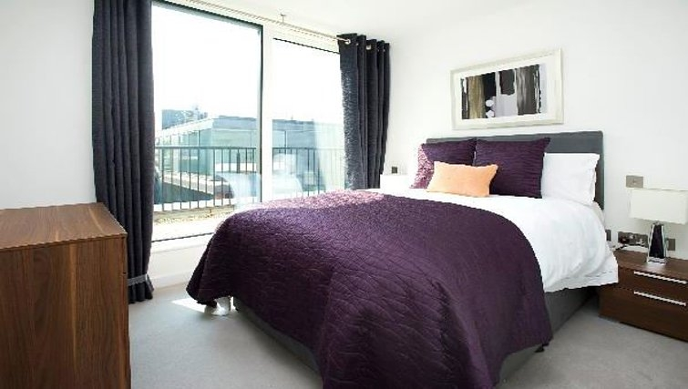 Executive bedroom at Oakwood Farringdon - Citybase Apartments