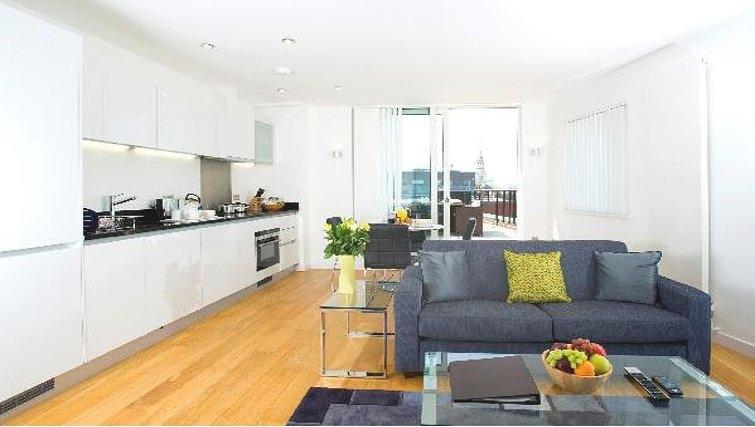 Modern kitchen at Oakwood Farringdon - Citybase Apartments