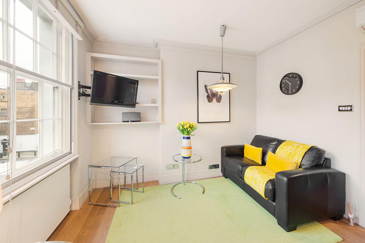 Sofa at Marylebone - Gloucester Place, Marylebone, London - Citybase Apartments