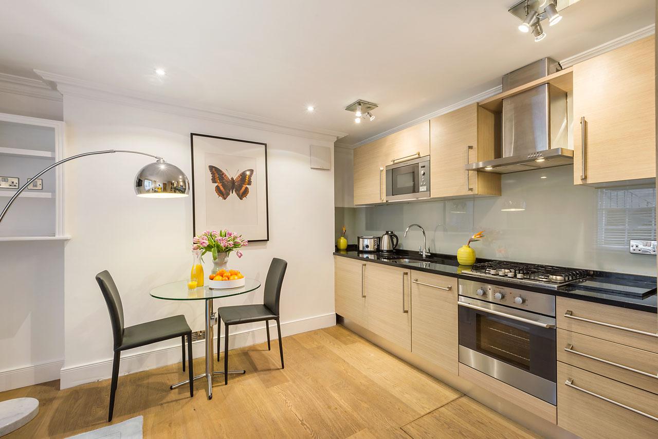 Kitchen/dining area at Marylebone - Gloucester Place, Marylebone, London - Citybase Apartments