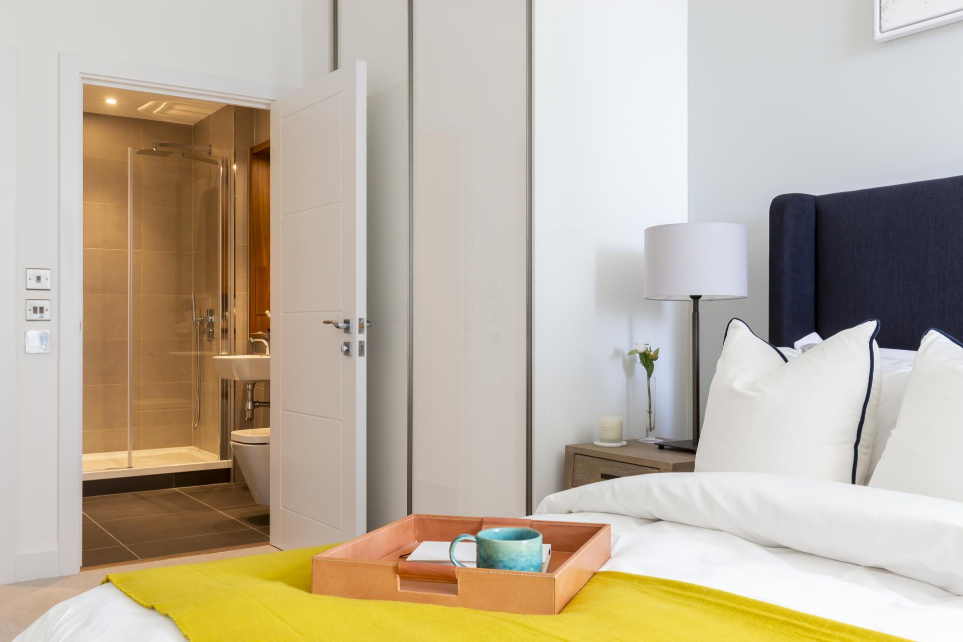 Cosy bed at Charles Hope Canary Wharf, Canary Wharf, London - Citybase Apartments