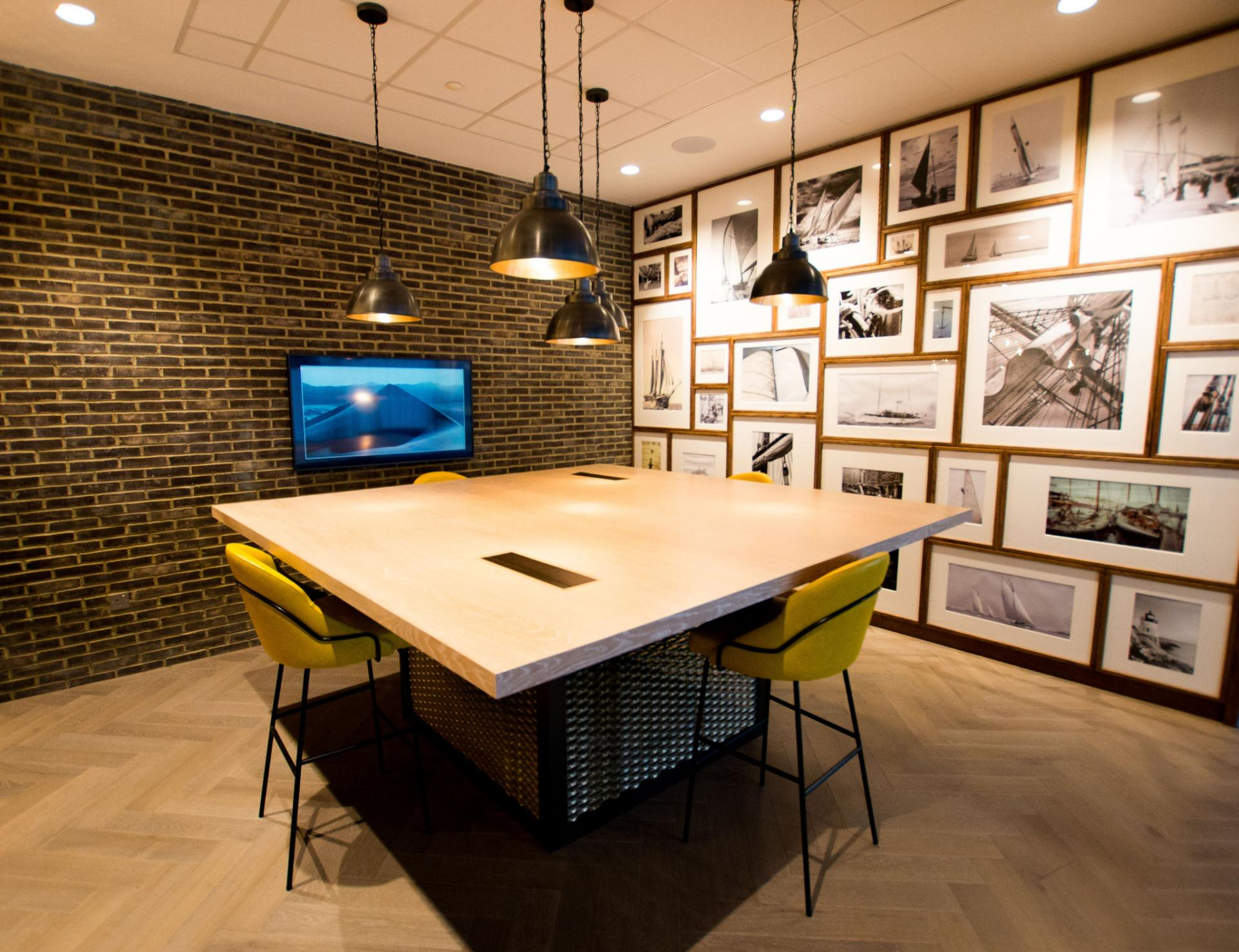 Work room at Canary Wharf Apartments By Charles Hope, Canary Wharf, London - Citybase Apartments