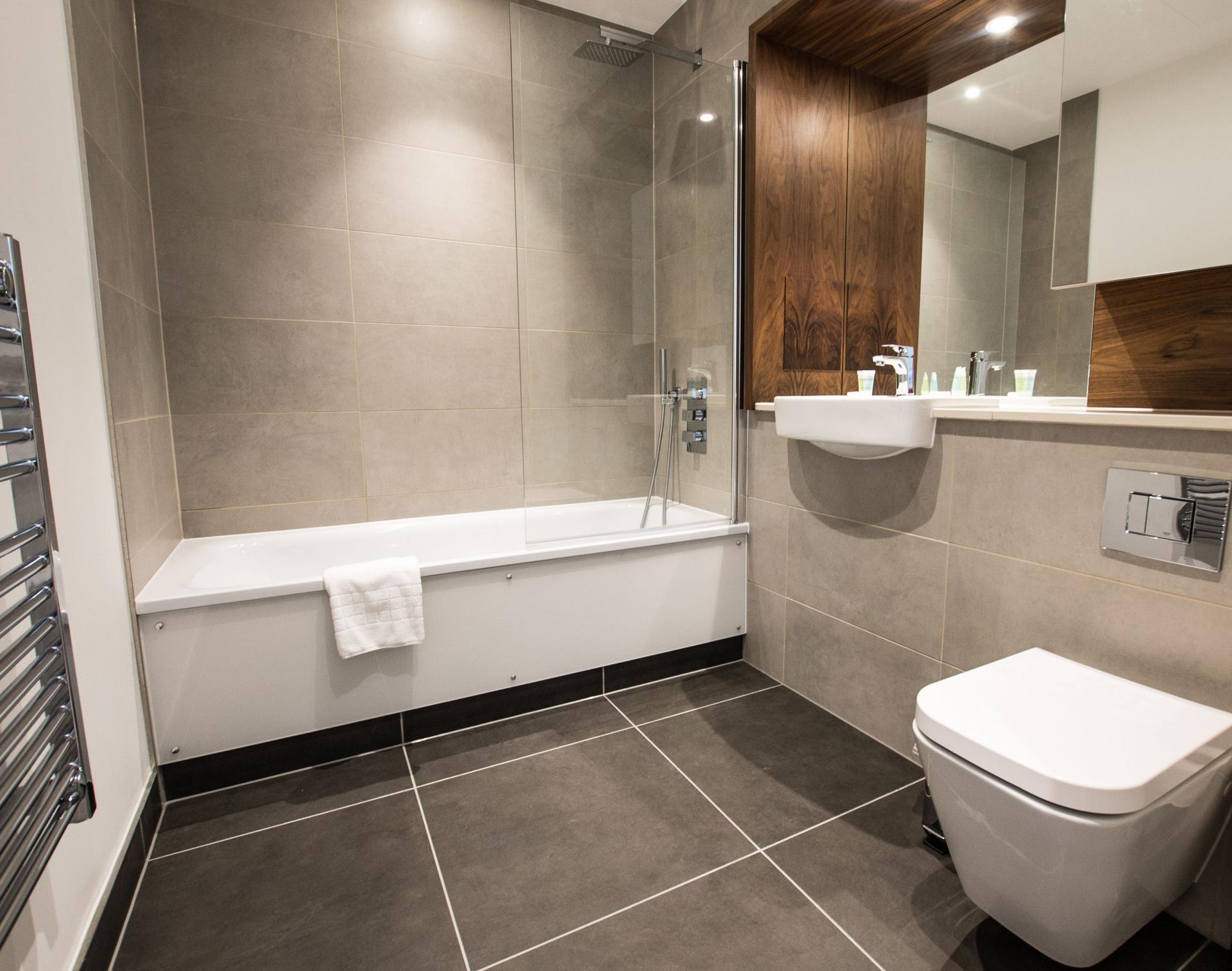 Bath at Canary Wharf Apartments By Charles Hope, Canary Wharf, London - Citybase Apartments