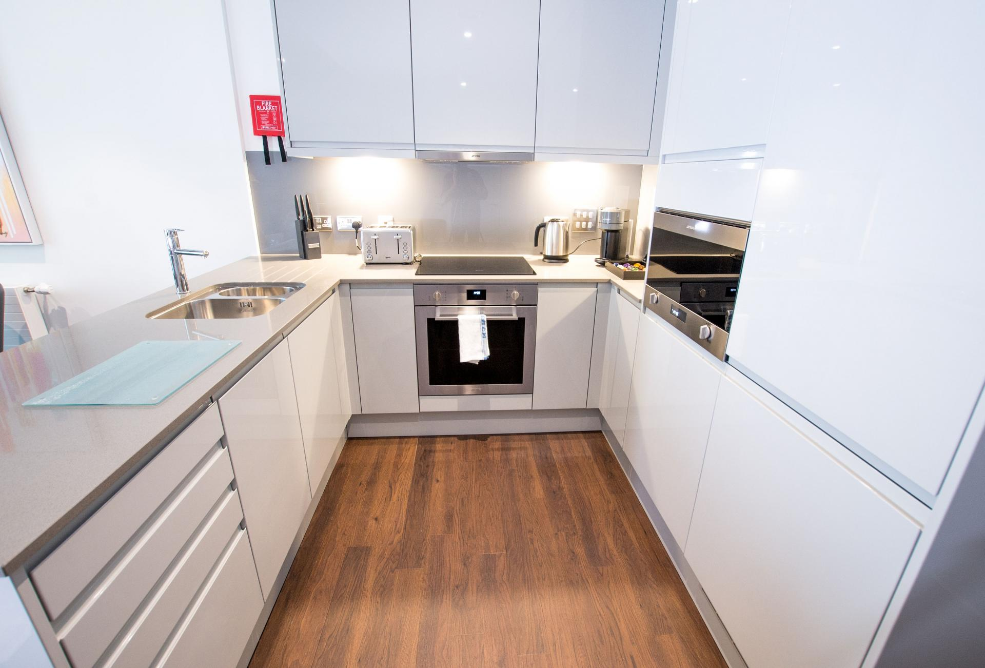 Kitchen at Canary Wharf Apartments By Charles Hope, Canary Wharf, London - Citybase Apartments