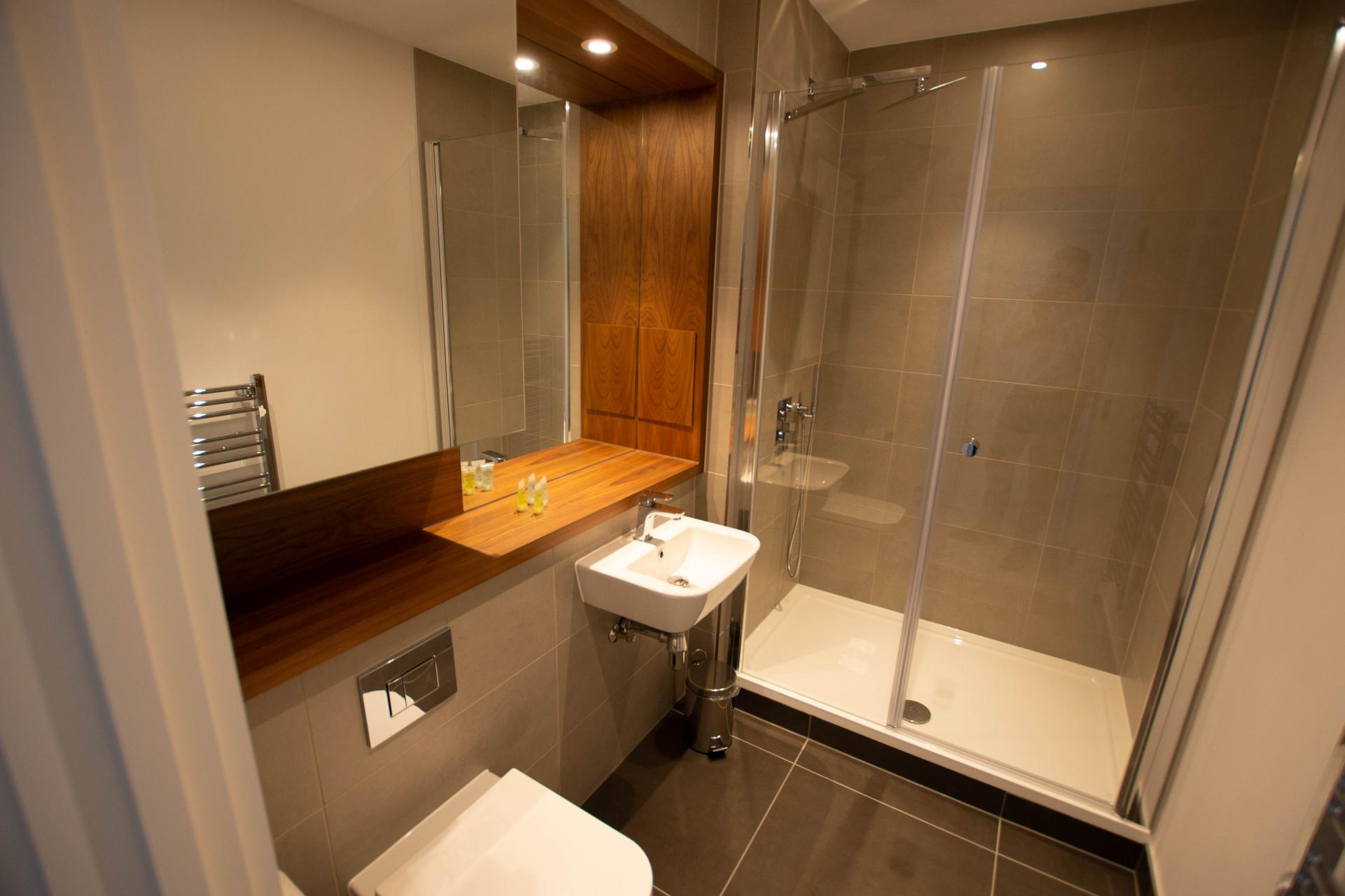 Bathroom at Canary Wharf Apartments By Charles Hope, Canary Wharf, London - Citybase Apartments