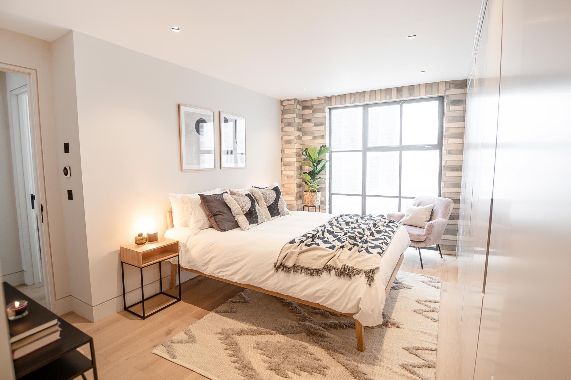 Light bedroom at King's Mews Apartments, Holborn, London - Citybase Apartments