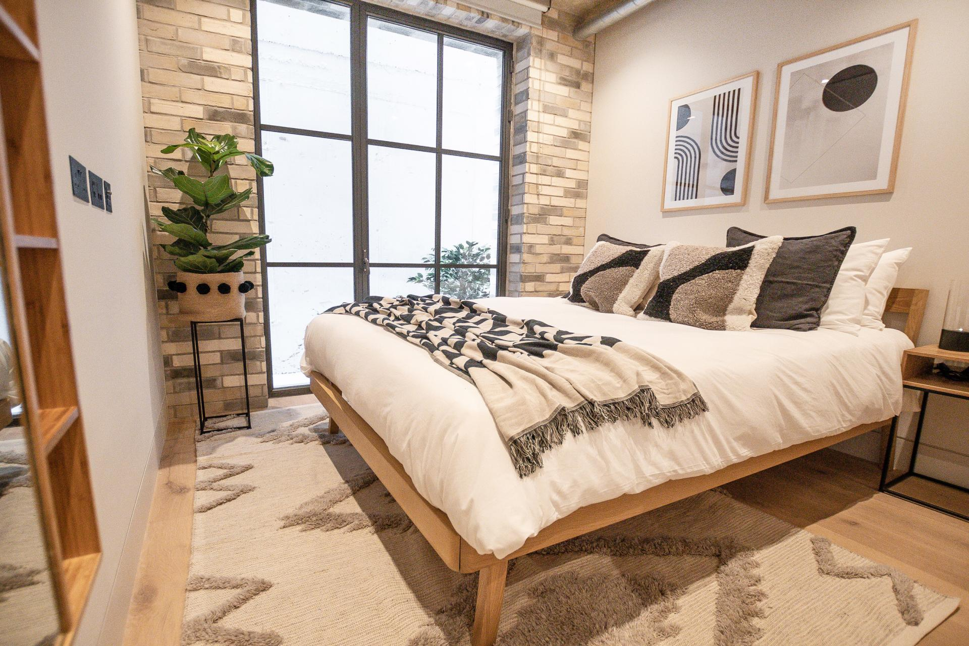 Double bedroom at King's Mews Apartments, Holborn, London - Citybase Apartments