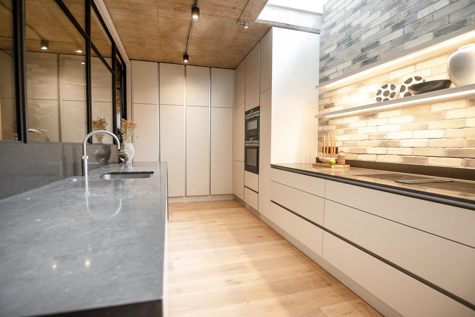 Modern kitchen at King's Mews Apartments, Holborn, London - Citybase Apartments