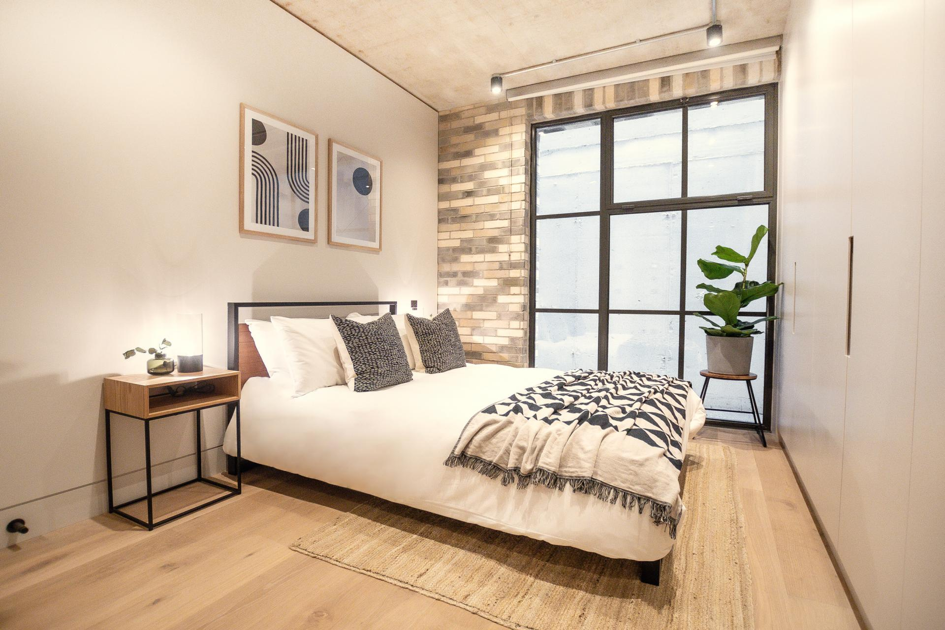 Large window at King's Mews Apartments, Holborn, London - Citybase Apartments