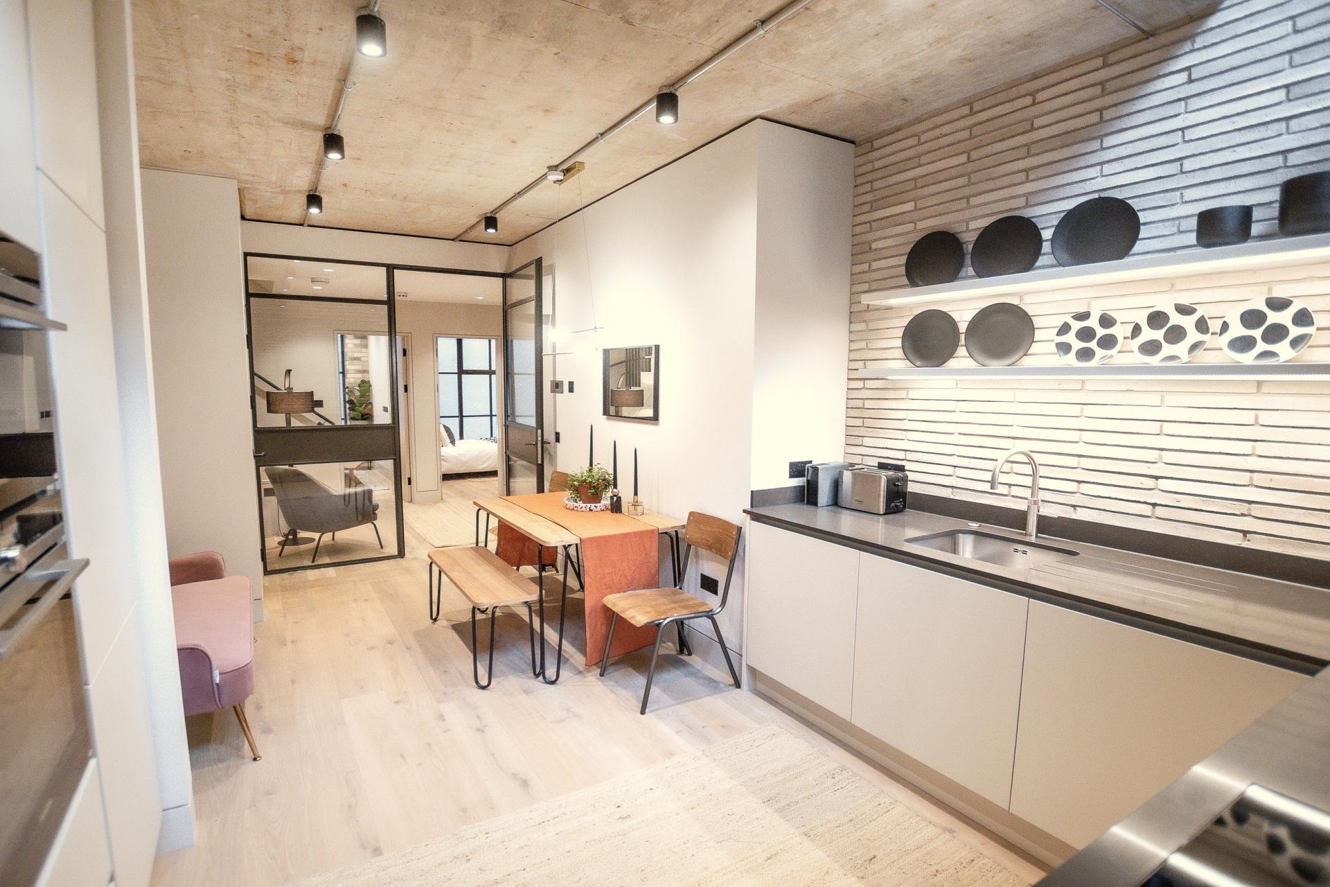 Spacious kitchen at King's Mews Apartments, Holborn, London - Citybase Apartments