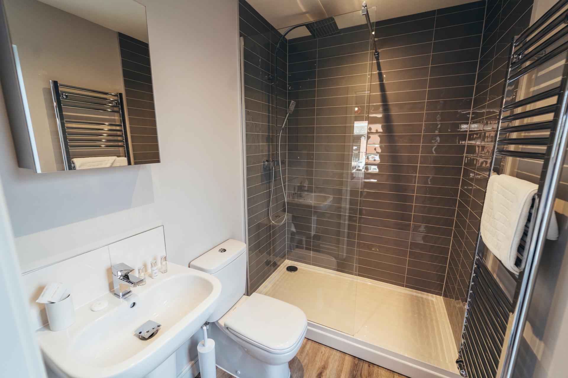 Shower at Devonshire Court Apartments, West Bridgford, Nottingham - Citybase Apartments
