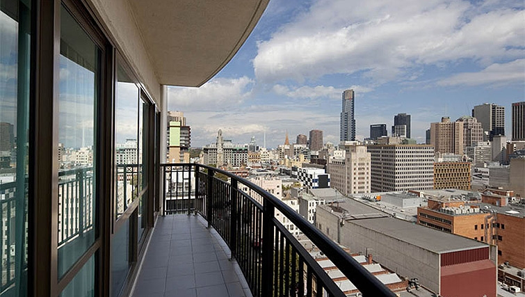 Spectacular balcony in Mantra on Russell - Citybase Apartments