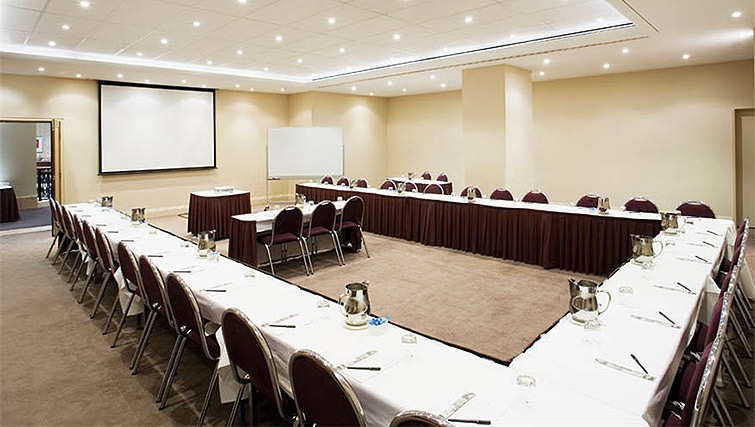 Conference room at Mantra on Russell - Citybase Apartments