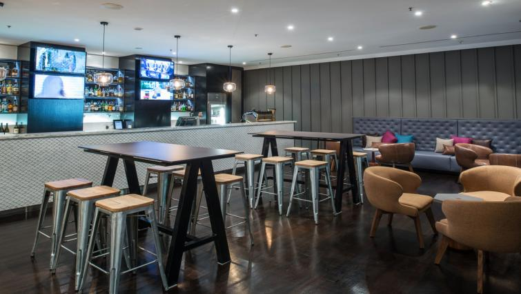 Restaurant & bar at Mantra on Russell - Citybase Apartments