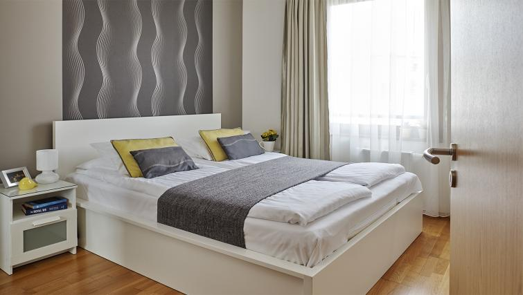 Double bedroom at 7 Seasons Apartments - Citybase Apartments
