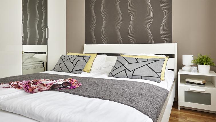 Bedroom at 7 Seasons Apartments - Citybase Apartments