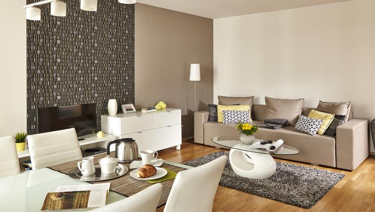Living area at 7 Seasons Apartments - Citybase Apartments