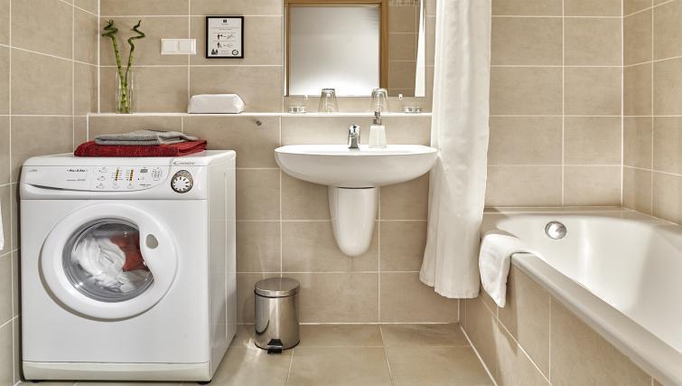 Bathroom at 7 Seasons Apartments - Citybase Apartments