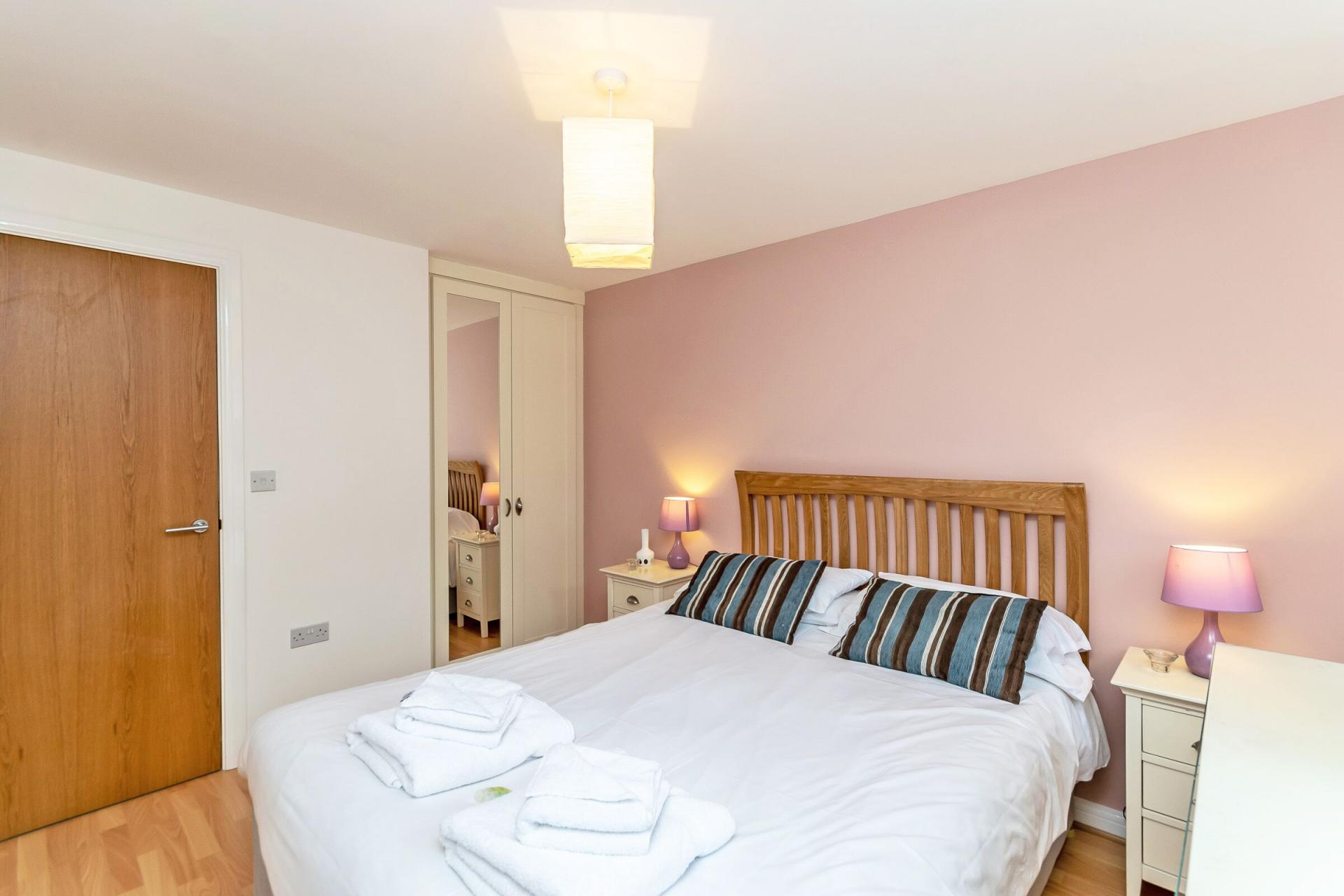 Double room at Chester Racecourse Apartments - Citybase Apartments
