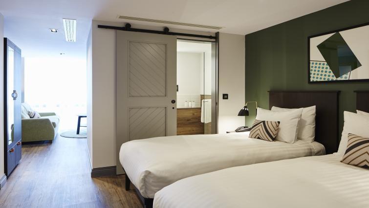 Twin beds at Residence Inn London Kensington, Earls Court, London - Citybase Apartments