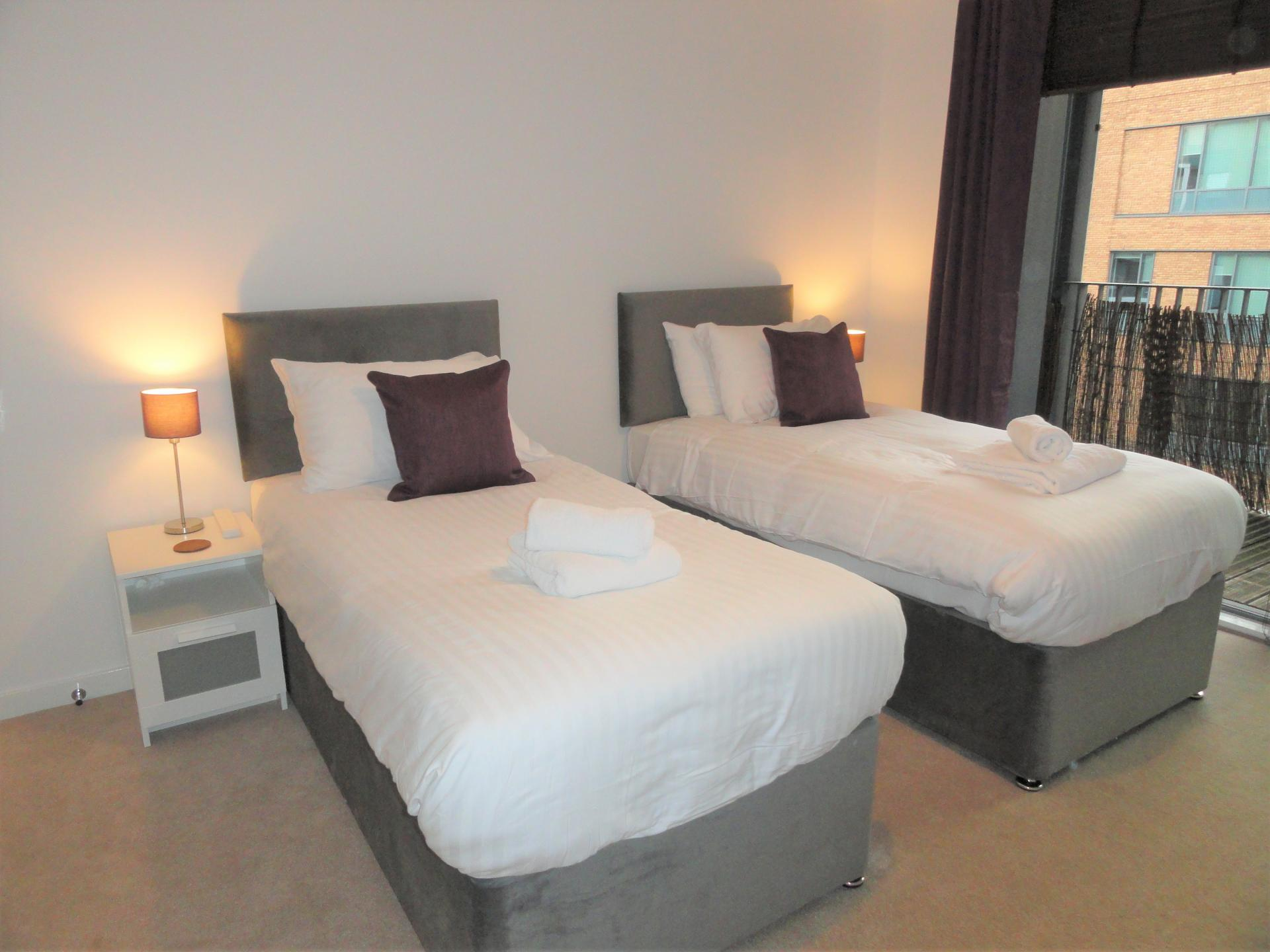 Twin beds at Providence Apartments, Centre, Maidenhead - Citybase Apartments