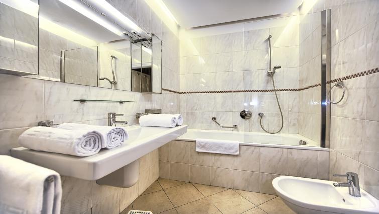 Main bathroom at Residence Brehova Apartments - Citybase Apartments