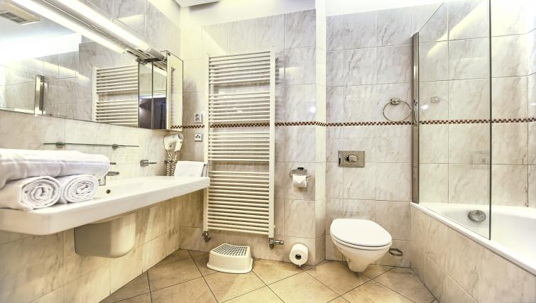 Bath at Residence Brehova Apartments - Citybase Apartments