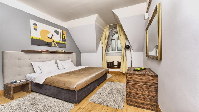 Large bedroom at Residence Brehova Apartments - Citybase Apartments